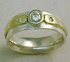 bezel set diamond with gold stripe