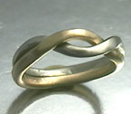 yellow and white gold interlocking rings